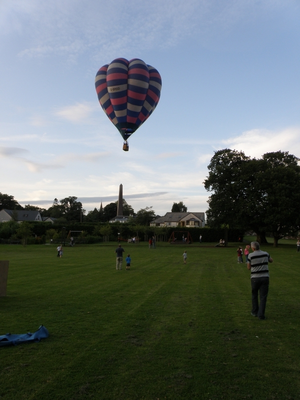Hot air balloon over Killearn